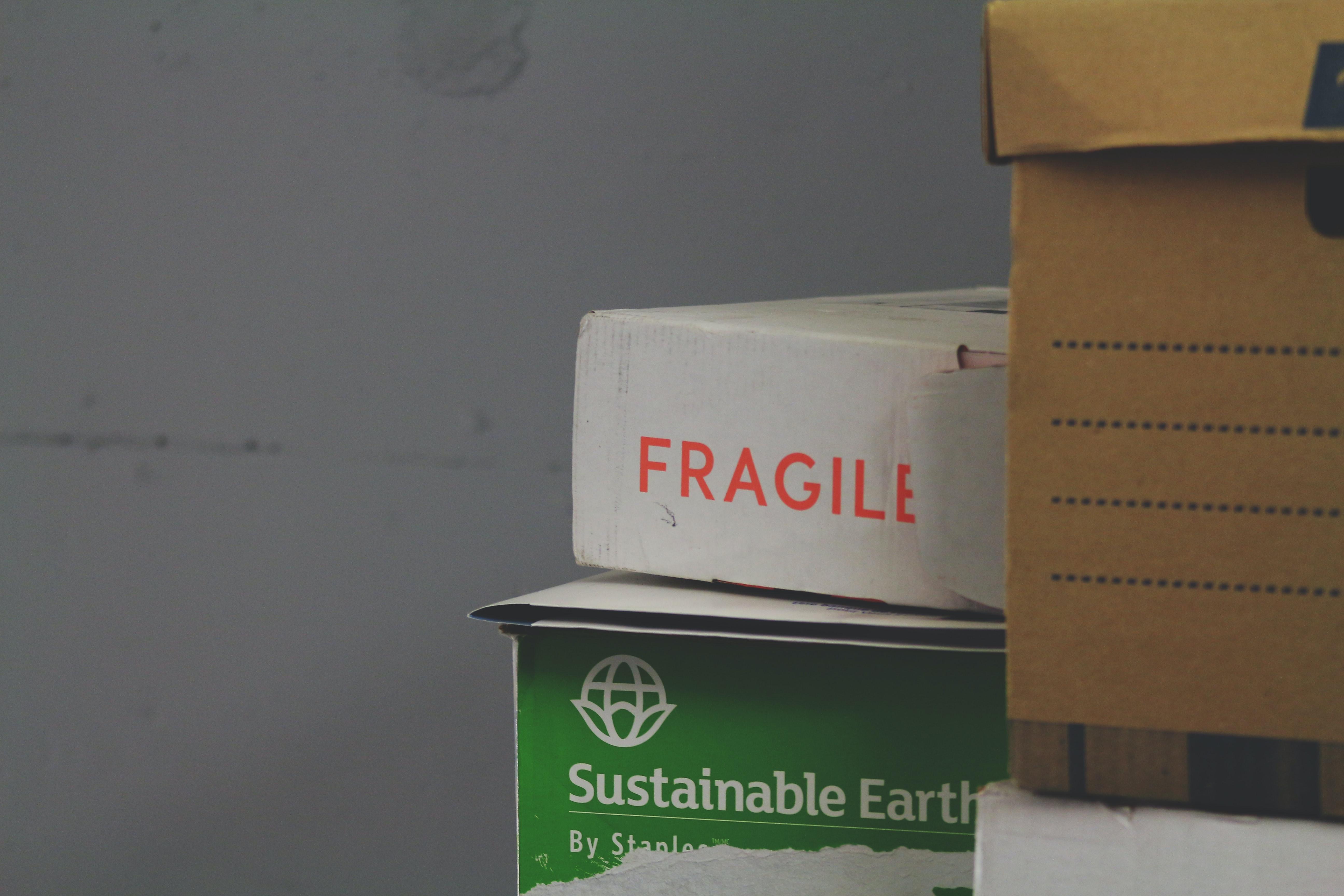 Le réemploi des emballages cartons présente de nombreux avantages.